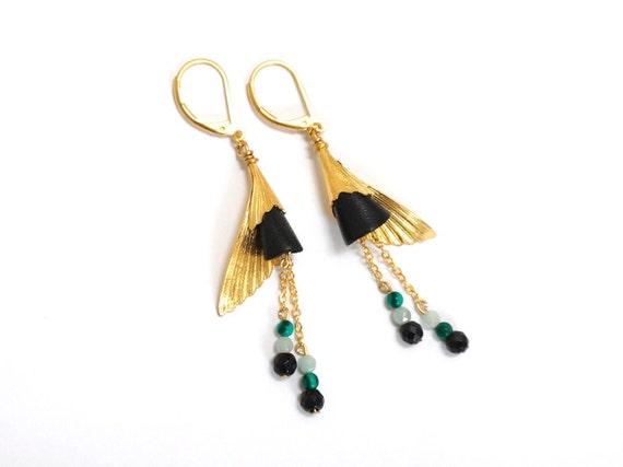 Boucles d'oreilles Ibi noires, pierres semi précieuses agate et jade, plume or fin