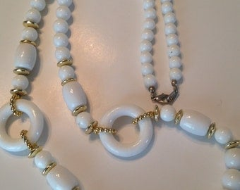 Vintage White Gold Plastic Long Necklace ~ Beads & Rings ~ NICE