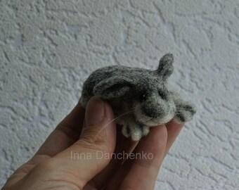 Felt rabbit, super tiny, felted gray rabbit, felt toy, soft sculpture, felt animal, pet miniature, natural wool toy