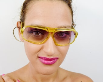 Awesome Vintage Retro Style Unisex Sunglasses - See our huge collection of vintage eyewear