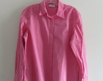 80% OFF FALL SALE Vintage 80s Wrangler Bubblegum Pink Country Western Snap Button Down Collared Blouse Sz Large