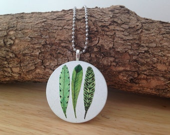 Feather Embossed Pendant Necklace