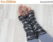 CIJ SALE Nuno felted wrist arm warmers cuff bracelets Fingerless mittens wool gloves felt silk gray white black monochrome boho hand handmad