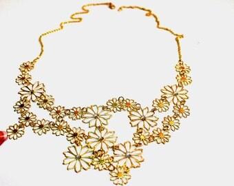 Gold dainty rhinestone flower necklace, Western style Multilayer Pendants Rhinestone Diamond Necklace Wedding Bridal Necklace