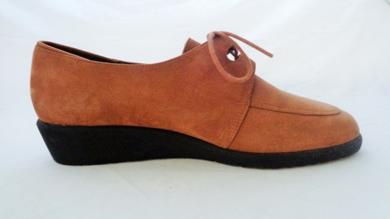 purchase cheap 54785 c0274 outlet Vintage Chestnut Suede Leather Hush Puppies Shoe Oxfords 1970s