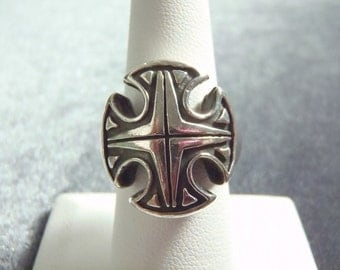 Sterling Silver Large Cross Ring Sz 7 1/4 R235