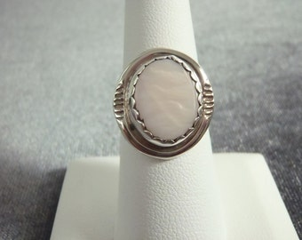 Sterling Silver Mother of Pearl Ring Sz.7 1/2 R73