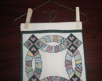 Double Wedding Ring Quilt Min Wall Hanging