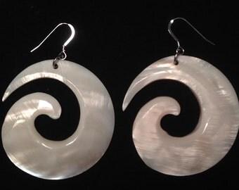 Shell Pendant Earrigs