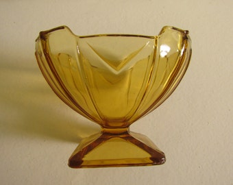 Amber Sowerby 'Chevron' Pressed Glass Footed Sweet or Sundae Dish