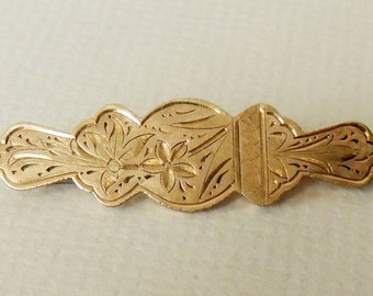Victorian Gold Wash Engraved brooch