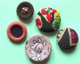 Textile buttons, 5 different, vintage.  An example of textile buttons, wool, cotton, rayon, silk, 4 pad backs, 1 self back . c 1930's -40's