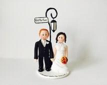 Bride and Groom under lamp post London street / New York street / Paris - Custom made bride and groom wedding cake topper