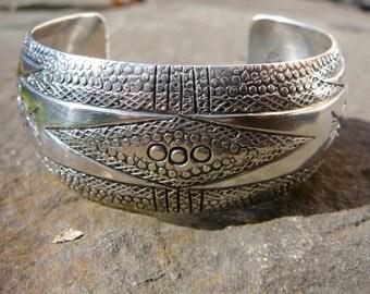 Silver Cuff Bracelet, Silver Cuff Bracelets for Women, Silver Cuff, Navajo Bracelet, Navajo Jewelry, Native American Jewelry, Navajo