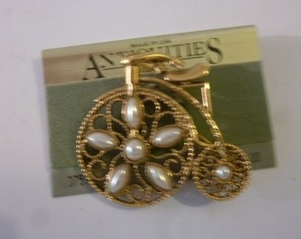 80's Brooch Gold Tone Metal Tricycle Pin with Pearls Made by Antiquities in USA Dead Stock