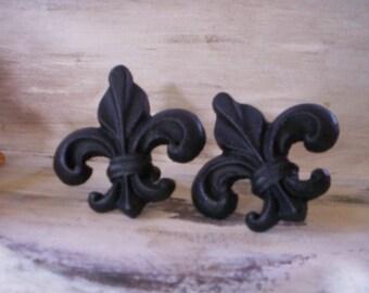 Vintage door knob/Furniture salvage/Metal salvage/Vintage drawer handle/Salvage metal drawer knob/Fleur de lis door knob/Wood work supplies/