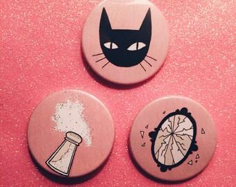 Bad Luck Badge Set - Badges - Black Cat - Broken mirror - Salt - Superstitions - Unlucky - Illustration - Christmas gift