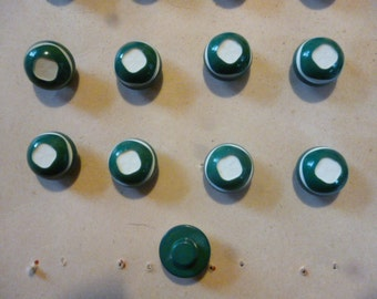 Vintage Buttons. 19 Green and White bulls eye 1960s Plastic buttons