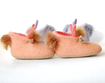 Peach Rabbits felted slippers for kids - felted wool house shoes-handmade gift for toddler-eco living (list for one pair)