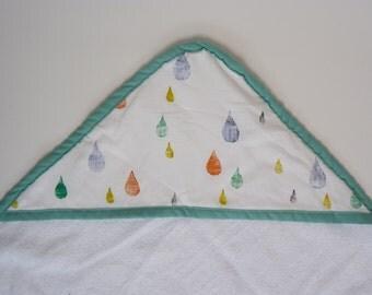 hooded bath towel // hooded baby towel // toddler bath towel