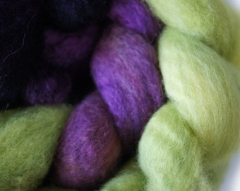 Blue Faced Leicester Roving . Hand Dyed . Hand Painted . 100% Combed BFL Roving  . OOAK . Spinning Supply . 4oz . Green . Purple