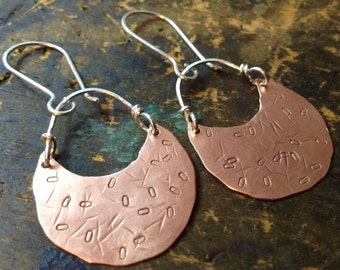 Bright Moon | Copper Moon shaped hammered earrings • copper metalwork • hammered copper hoops • mixed metals | hippie | boho