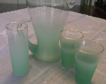 Blendo Beverage Pitcher ans Three Tumblers West Virginia Glass Mid Century Retro