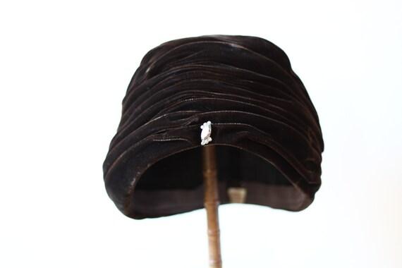 1960s brown velvet turban // blue turban // vintage hat