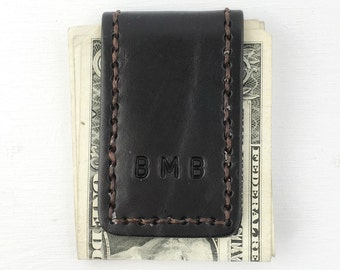 Money Clip. Personalized Groomsmen Gift. Mens leather money clip with custom initials. Magnetic money clip
