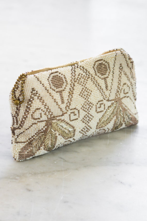 Retro Handbags, Purses, Wallets, Bags vintage 1930s purse | 30s art deco clutch | small antique beaded purse $68.00 AT vintagedancer.com