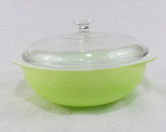 Pyrex Lime 024 Covered Casserole and Single Knob Lid