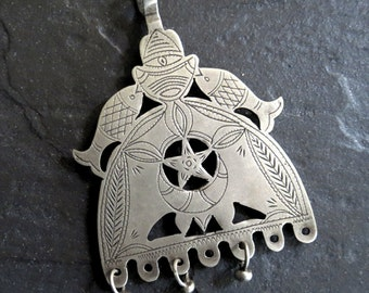 Large Vintage Moroccan Silver Pendant