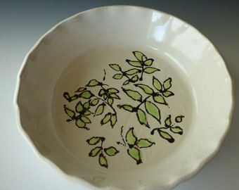 "white 10"" pie dish with leaf design"