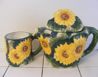 Vintage hand painted SUNFLOWER TEAPOT Tea Coffee Pot with matched Mug Cup WORLD bazaar porcelain pottery huuuuuge sunflowers!!!!