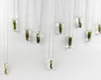 Moss Specimen Necklace - Botanical Jewelry, Terrarium Necklace, Forest Jewelry, Real Moss Resin, Folk Fashion, Gifts for Nature Lovers