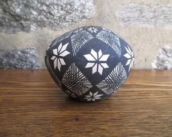 Vintage Acoma Seed Pot B. Suina