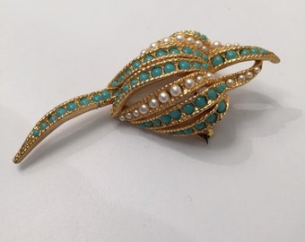 Turquoise and Pearl Vintage Gold Toen Shell brooch