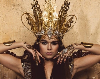 Grand Gold Qween Crown