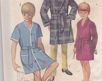 Simplicity 8292 Vintage Pattern Boys Robe in 2 Variations SIze 8 UNCUT
