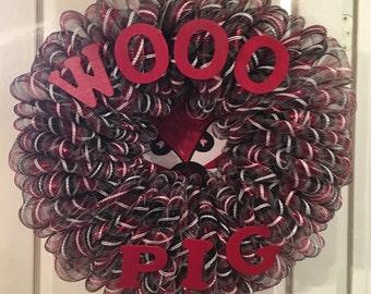 Razorback inspired wreath..Wooo Pig