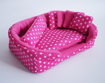 cosy cuddle cup / bed / lounge with waterproof blanket and 5 pillows for guinea pigs or hedgehogs (stars on pink/pink)