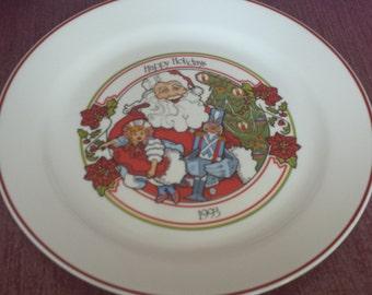 Corelle Christmas Plate 1993