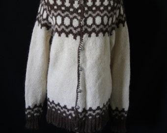 Vintage Women's Icelandic Wool Sweater