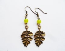 Spring Leaves, brass earrings with green peridot crystal beads and leaf charms, nature jewelry, Selma Dreams, August birthstone