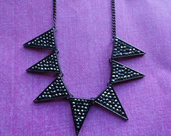 Black crystal spike arrow necklace