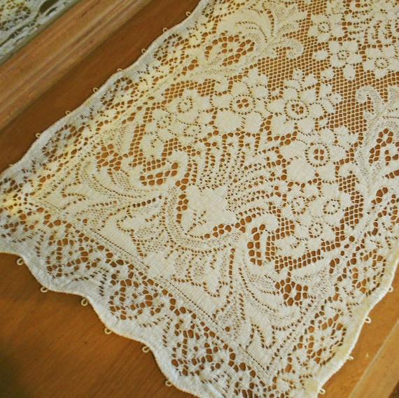 vintage cotton quaker lace dresser scarf with by