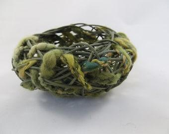 baskets, woven, random weave, weaving, reed, small, green, yarn