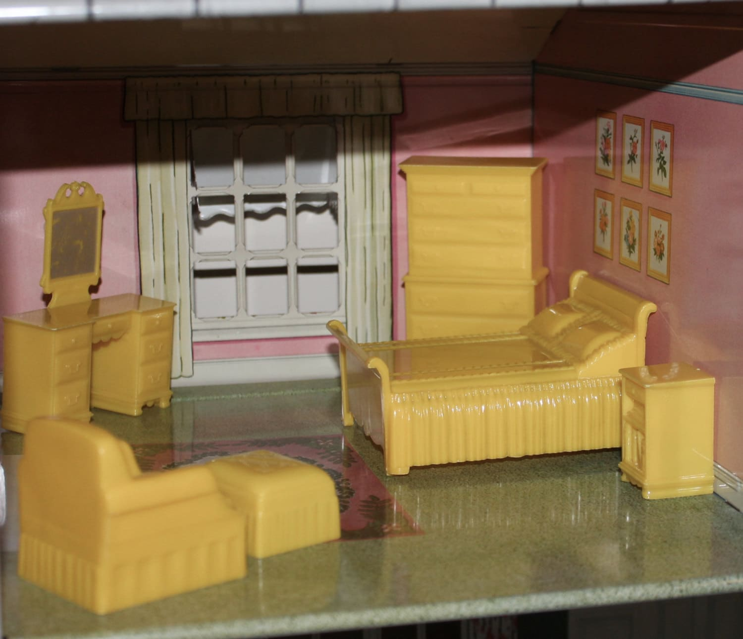 Vintage Marx Dollhouse Furniture Hard Plastic Bedroom Marxie