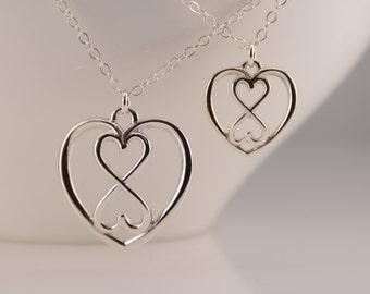 Mother Daughter gift. Mother Daughter heart Infinity necklace set, Heart Infinity necklaces, Silver Infinity