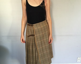 Burberrys Kilt Skirt with Leather Bluckled Strap